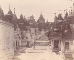 View along street lined with temples in the Vimalavasi Tuk, Satrunjaya 10032088